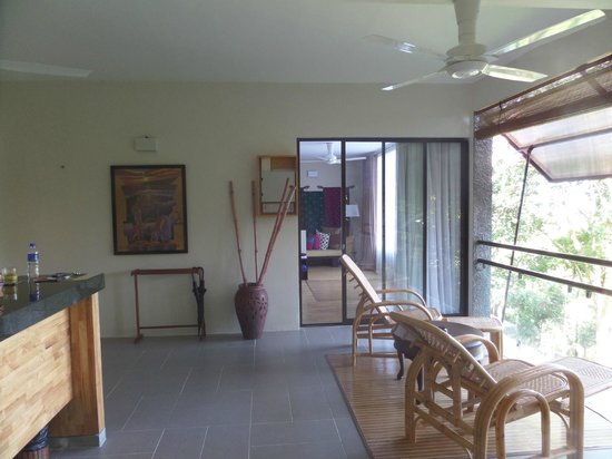 Ambong Ambong: Open balcony with a sea view, surrounded by breezy forest