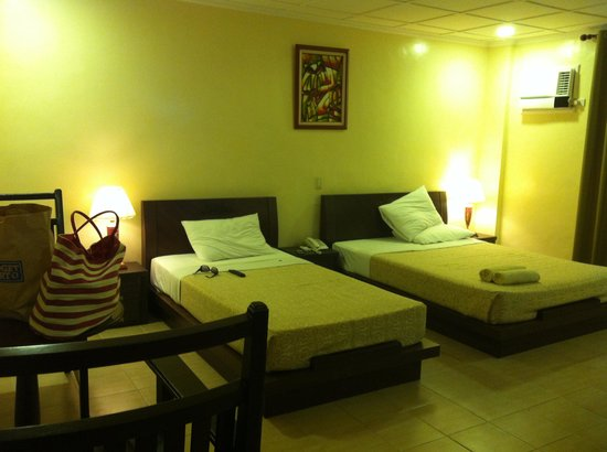 Boracay Royal Park Hotel: Spacious standard room