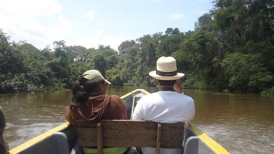 Cuyabeno Lodge: En canoa