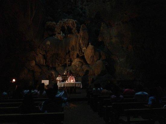 Callao Cave : the chapel