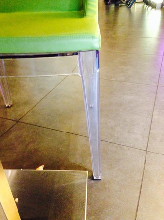 Hard Rock Hotel Singapore: 5 star hotel plastic dining room chairs