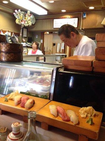 Sushiryori Inose: Inose making our lunch