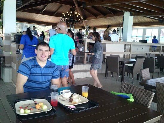 De Palm Island: Desayuno