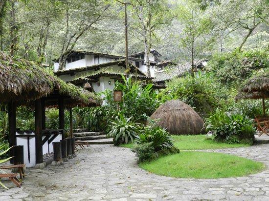 Inkaterra Machu Picchu Pueblo Hotel: View of property and sauna