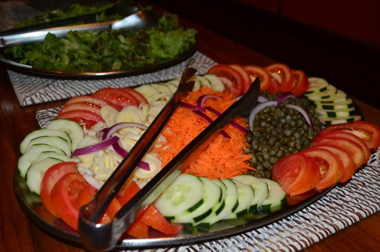 Samasati Retreat & Rainforest Sanctuary: Salads for dinner