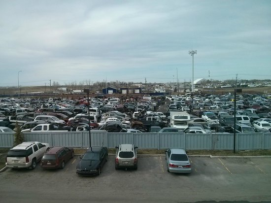 Radisson Hotel & Conference Centre Calgary Airport: Junkyard View
