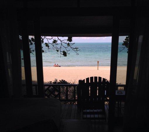 Fair House Beach Resort & Hotel: Beachfront room 8909