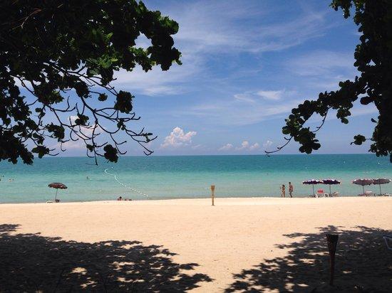 Fair House Beach Resort & Hotel: Beach view from our room