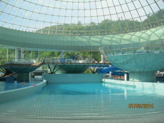 Thermana Park Lasko : закрытый бассейн