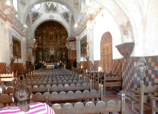Mission San Xavier del Bac : Pulpit for preaching is close to benches.