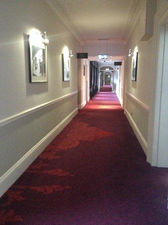 The Grosvenor Hotel: corridor