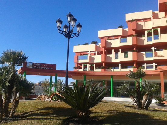Holiday Palace: Hotel