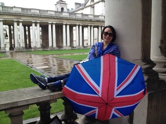 Old Royal Naval College: rest from dodging rain