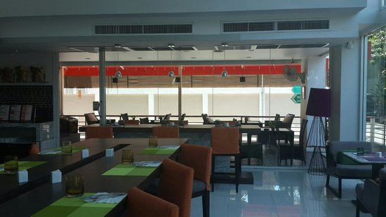 Hotel Solo Sukhumvit 2: Dinning area