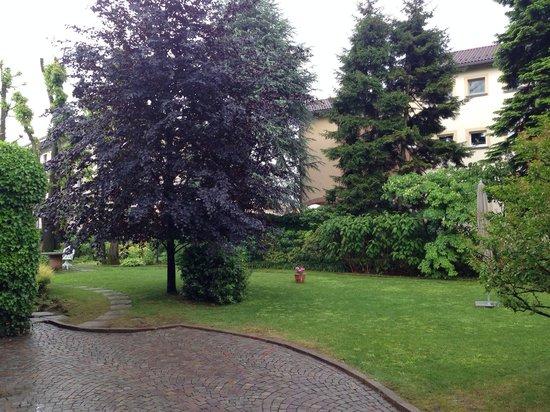 Casa Legnani B&B : Le jardin