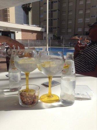 Hotel Mainare Playa Fuengirola: Happy Hour!!!