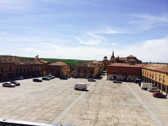 Parador de Lerma : View over the Square from rooms at the front of the hotel.