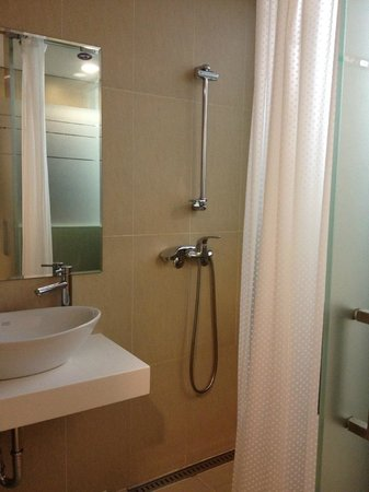 Aventree Hotel Jongno : Shower