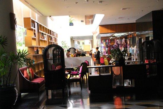 Century Park Hotel: Restaurant area