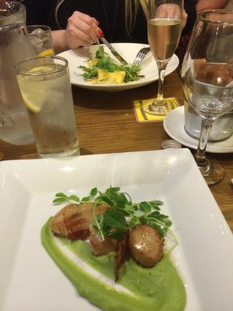 The Wortley Arms: Scallop starter