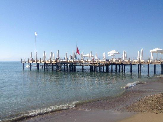 Voyage Belek Golf & Spa: sunbathing pier