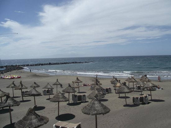 Hotel Olé Tropical: beach (Playa las Americas)