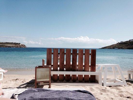 Mykonos Ammos Hotel: Lettini sulla spiaggia