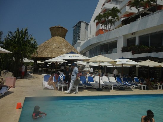 Crowne Plaza Acapulco: Coco´s Bar