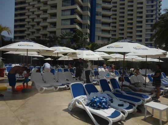 Gran Plaza Hotel Acapulco: Club de playa privado