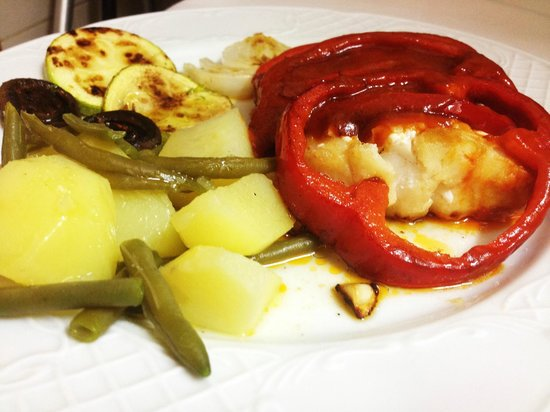4 Fogons : Fried Cod in red peppers 13,80 eur
