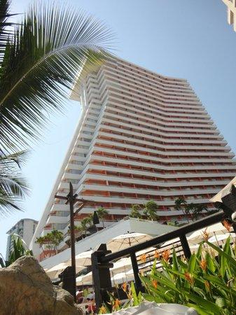 Gran Plaza Hotel Acapulco: Desde el camastro