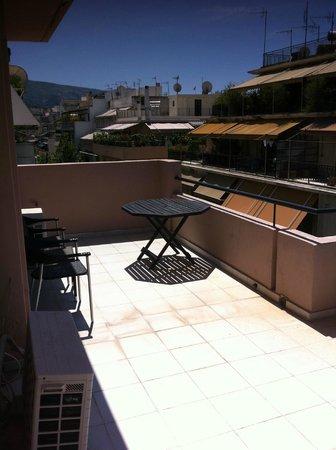 Art Suites Athens: Il balcone