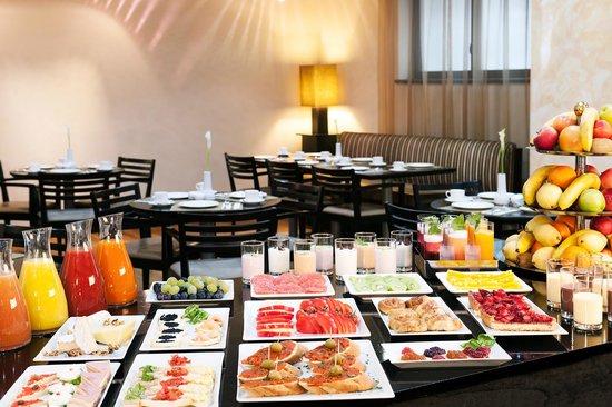 NH Timisoara: Buffet Breakfast
