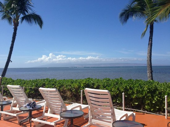 Hotel Molokai: view from pool
