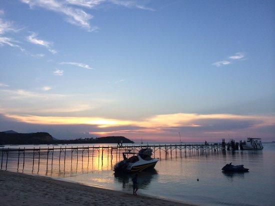 Samui Pier Resort : Beautiful sunset view from resort