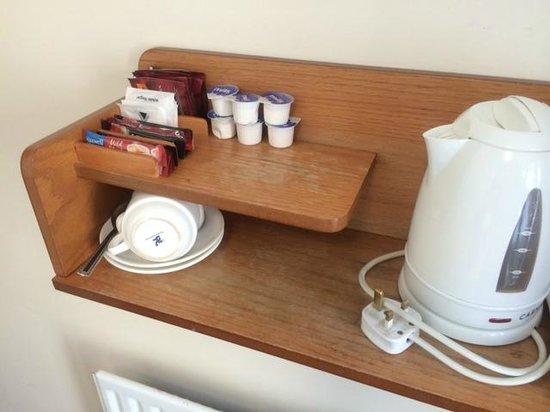 The Glen Guesthouse: Kaffee und Tee