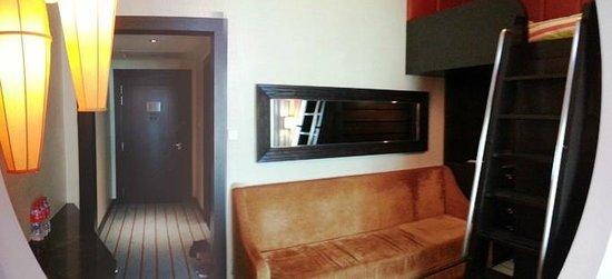 Resorts World Sentosa - Festive Hotel: Deluxe family room