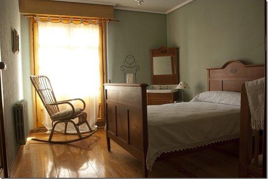 Casa Rural Badaran Di Vino : Una de nuestras habitaciones