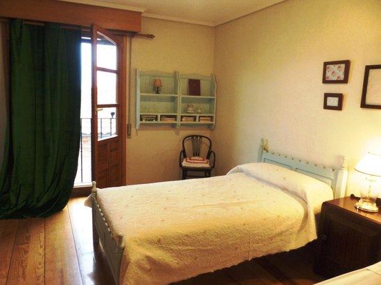 Casa Rural Badaran Di Vino : Habitación