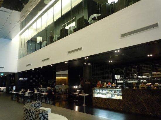 Hilton Surfers Paradise Hotel: Restaurants & Cafes