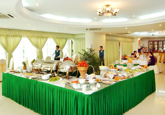 Bamboo Green Central Hotel: Breakfast buffet