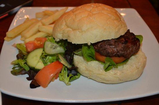 Sunnyside Park Hotel: yummy beef burger
