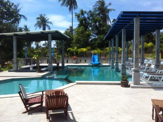 Samui Honey Tara Villa Residence: Restaurant and pool area