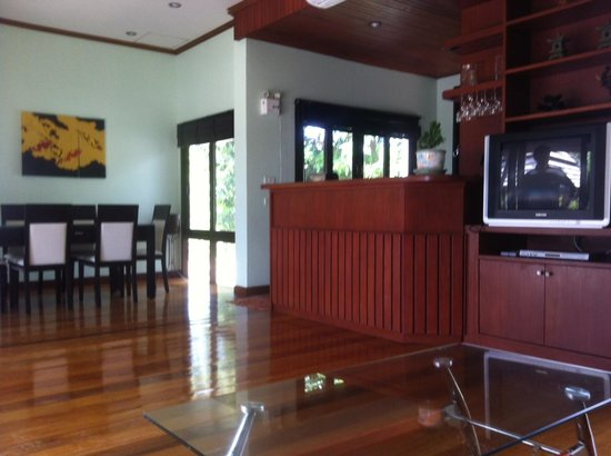 Samui Honey Tara Villa Residence : Private Lounge area next to our private pool