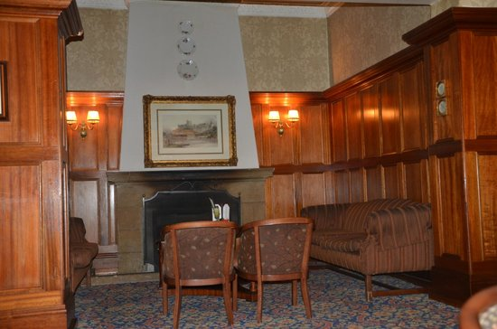 Sunnyside Park Hotel: chilling in the lounge