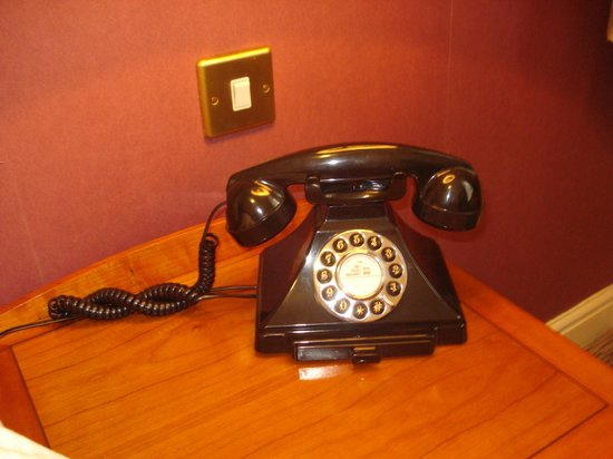 The Mad Hatter Hotel: Cutest Phone!