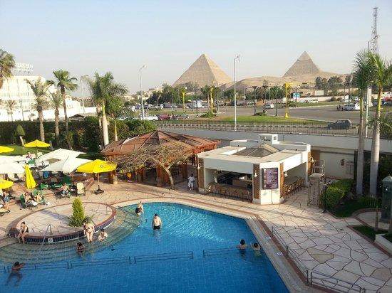 Mercure Cairo Le Sphinx : Rooftop restaurant