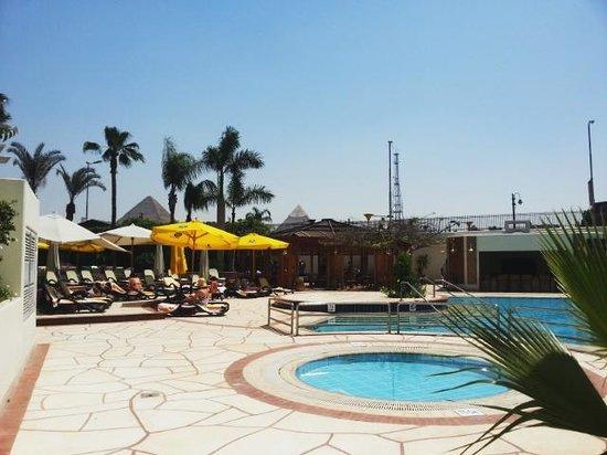 Mercure Cairo Le Sphinx : Pool