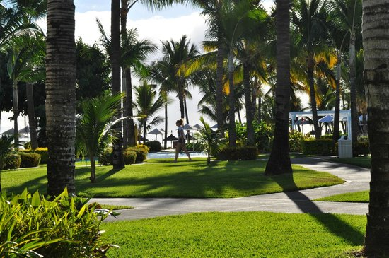 Sugar Beach Golf & Spa Resort: had a ground floor room and patio, lovely view across the gardens