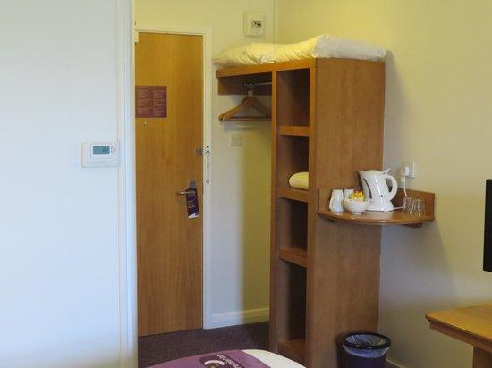 Premier Inn Taunton Central (North) Hotel : Room 38